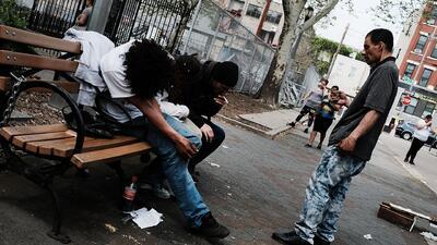 Parques de Nueva York se convierten en zonas de perdición por el consumo de heroína