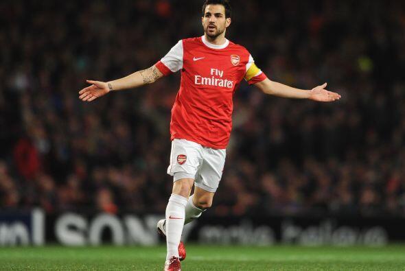 Cesc Fábregas sigue siendo figura en el Arsenal. Barcelona lo ha...