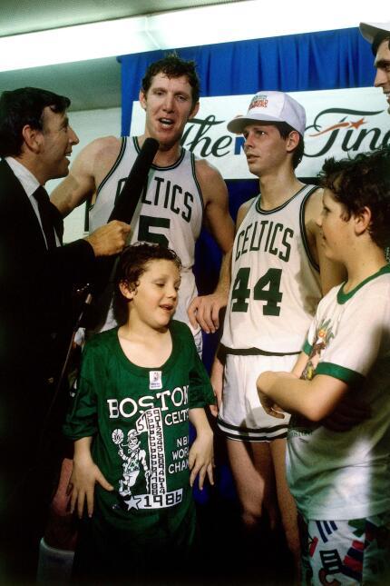 Pasó a pertenecer al prestigioso Basketball Hall of Fame el 10 de mayo d...