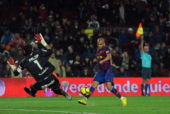 A Dani Alves le anularon este gol por fuera de juego.