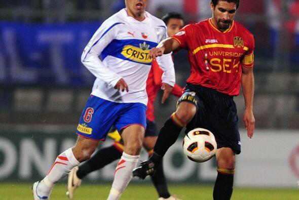 Universidad Católica ganó el grupo y pasó a octavos de la Copa Libertado...