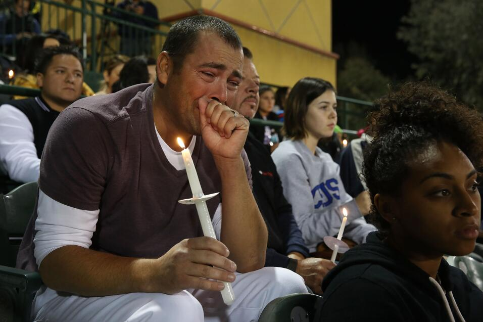 Las víctimas hispanas de tiroteo en California  vigilia7.jpg