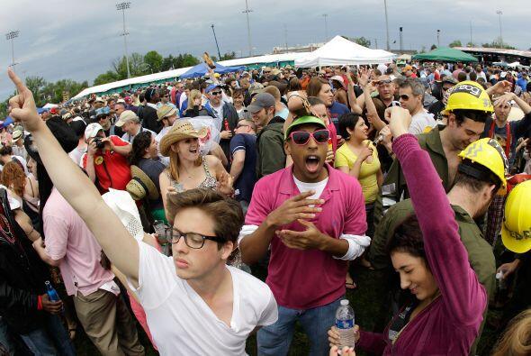 La gente disfruta mucho del Derby de Kentucky y la carrera es conocida t...
