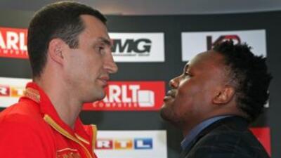 Vladimir Klitschko y Dereck Chisora ofrecieron conferencia de prensa  an...