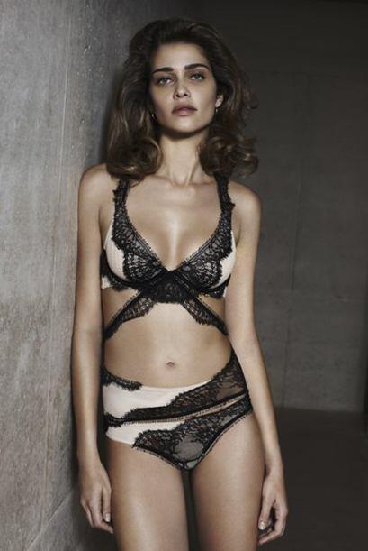 La amazónica dejó ver sus curvas en varios modelos de lencería.Mira aquí...