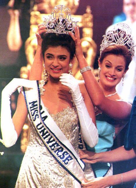 Dayanara Torres, cuando coronó a su sucesora en el 1994.