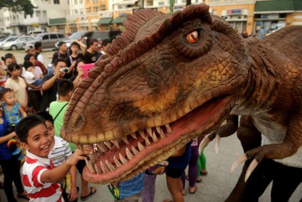 Y, como en noche de brujas todo puede pasar, los dinosaurios tambi&eacut...