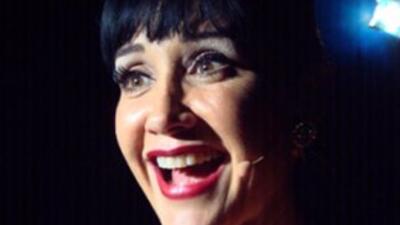 La actriz y cantanteSusana Zabaleta. (Imagen tomada de Twitter).