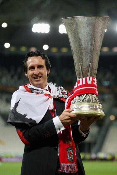 El técnico de Sevilla, Unay Emery, destacó el trabajo de sus jugadores p...