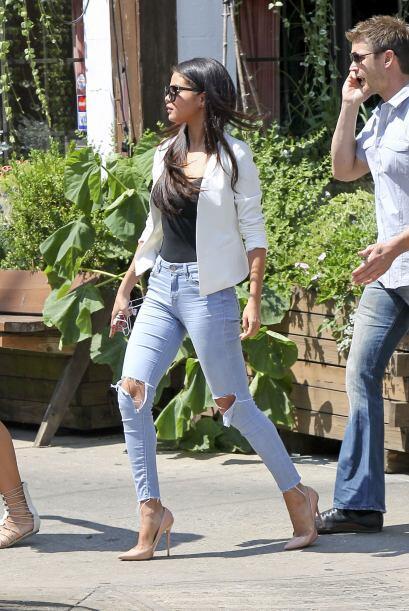 Se rumora que el cantante tiene una relación con la modelo Yovanna Ventu...