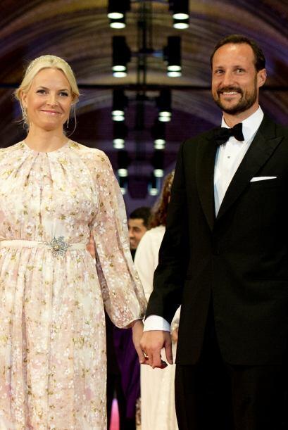 Los príncipes de Noruega, Mette-Marit y el Príncipe Haakon Magnus, asist...