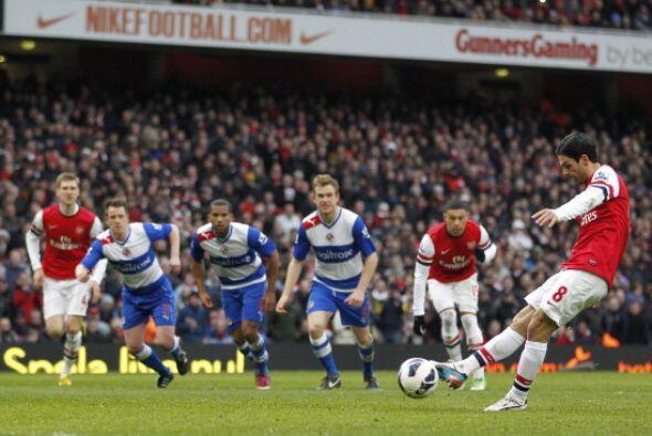 Arsenal le ganó al Reading con acento español. Arteta abrió al marcador...