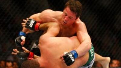 Sonnen necesitó de menos de un round para conseguir el triunfo.