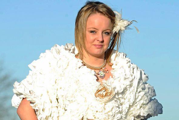 No tener presupuesto para su vestido de novia no fue un impedimento para...