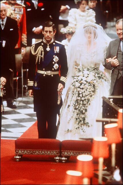 Y llegó el día, el 29 de julio de 1981 se casaron por la iglesia el here...