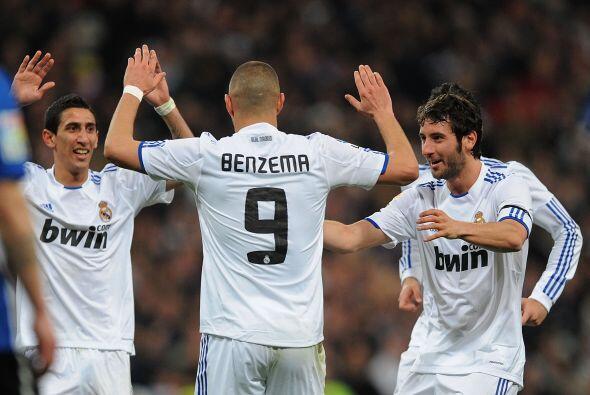 Dos goles convirtió Benzema, suficientes para que los blancos superaran...