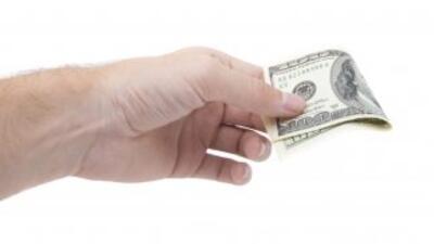 Un magnífico hábito es salir de deudas lo más pronto posible.