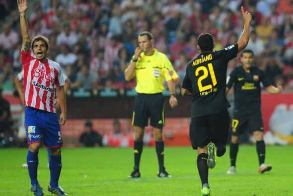 Adriano hizo el único gol del partido y por ello el Barcelona ya es líde...