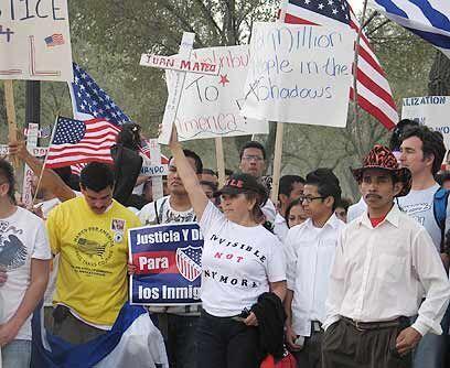 Homenaje a los muertos. Los caidos en la frontera estuvieron presentes e...