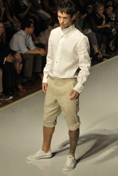 Prendas como shorts, pantalones, camisas de corte clásico y tipo túnica...