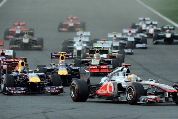 El alemán Sebastian Vettel (Red Bull), campeón mundial, ga...