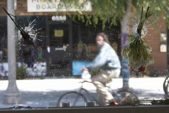La comunidad de Isla Vista trata de volver a la normalidad, tras el ca&o...