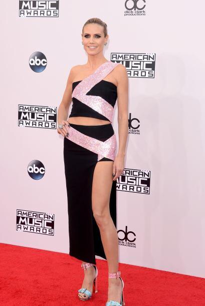 Heidi Klum, elegante y bella. Sexy y reveladora, pero al mismo tiempo se...