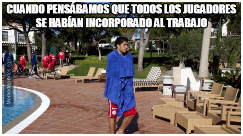 Dicen que Luis Suárez se tiró a la piscina.