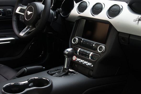 Ford Mustang 2015 by Foose & MMD   Imagen:http://modernmuscledesign.com