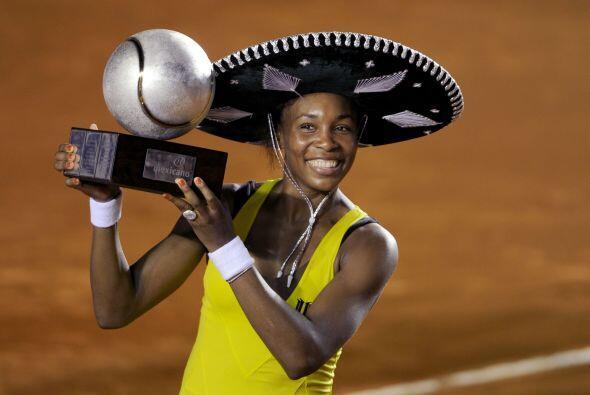 Además se ha coronado en 43 torneos WTA, de los cuales siete son de Gran...