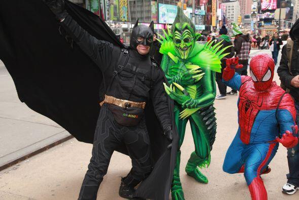 """Otro hombre vestido como """"spiderman"""" fue arrestado en febrero..."""