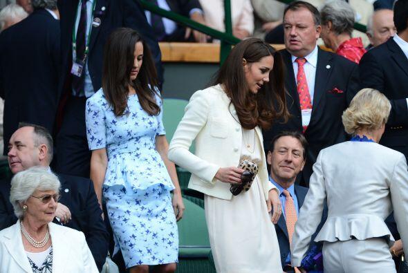 La realeza llegó para apoyar al de casa, la duquesa de Cambridge, Kate M...