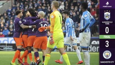 Manchester City supera los 100 goles en la temporada para acechar al Liverpool