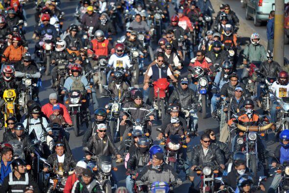 Los motoristas se concentraron en la Plaza de la Constitución, donde pre...