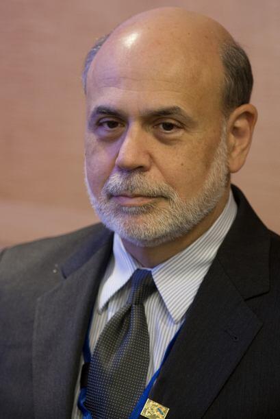 2. El presidente de la Reserva Federal de EEUU, Ben Bernanke, se posicio...