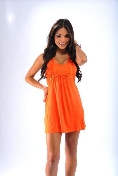 En 2006, Alejandra decidió probar suerte en los concursos de belleza y p...