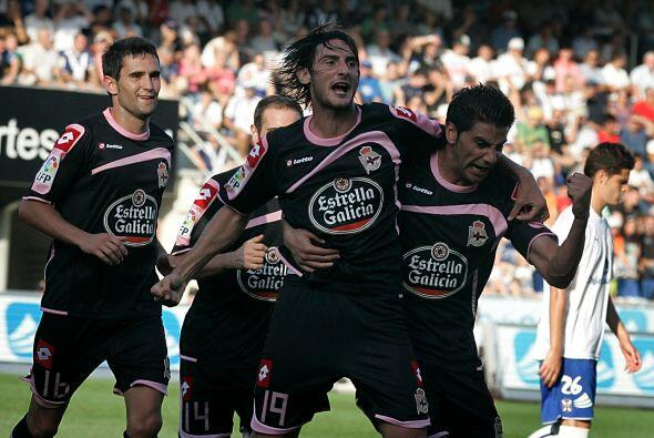 El central del Deportivo La Coruña se ha ganado un lugar como titular en...