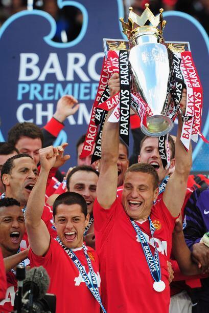 Luego de una temporada soñada logró salir campeón de Inglaterra. Levantó...
