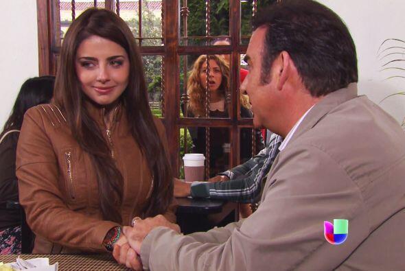 Valeria y Candela encontraron a tu marido y a Aldonza tomados de la mano...