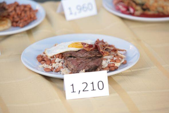 El tacu tacu registró 1210 calorías, siendo de los platillos con las men...