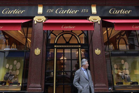 Basada en la influencia de las marcas de lujo a escala global, críticas...