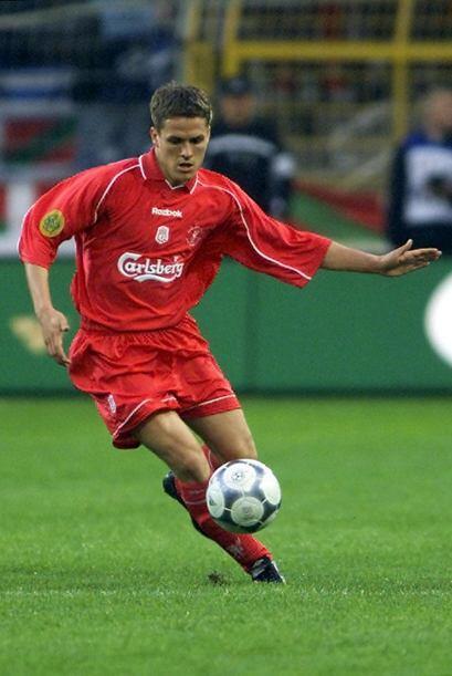 Michael Owen quien fue una de las figuras del fútbol mundial, gan...