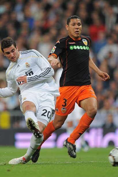 Gonzalo Higuaín abrió la cuenta y echó abajo el orden defensivo del conj...