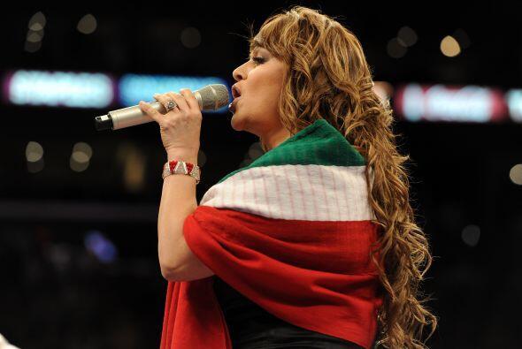 Jenny Rivera  Cantante mexicana nacida en 1962, es además actriz, produ...