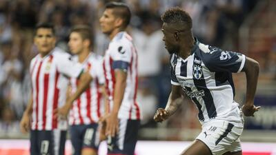 Avilés Hurtado festeja el 4-1 que anotó ante la complascencia de una des...