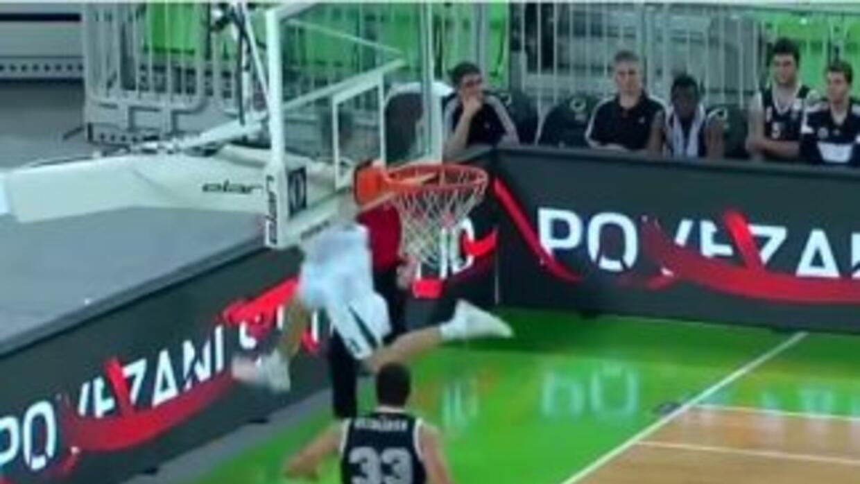 El esloveno Blaz Mahkovic no regaló una brillante jugada.
