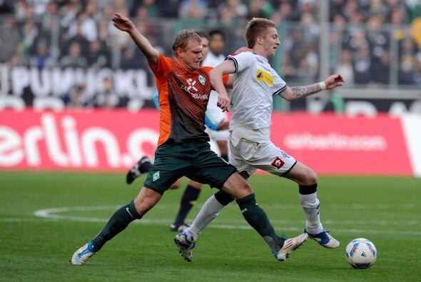 Tuvo una estupenda actuación marcando tres goles en el arco del Werder B...