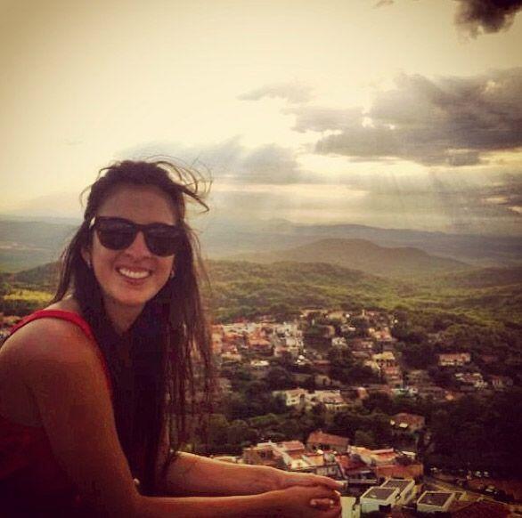"""""""Saludos desde #Begur #CostaBrava #España"""", compartió Maity Interiano. (..."""