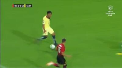 Roger Martínez perdona frente al arco del United