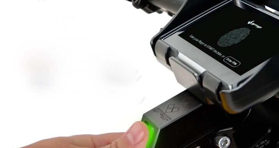 La Greyp 12S con un sensor biométrico que permite que solo el dueño pued...